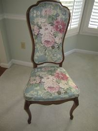 4 SIDE CHAIRS AND 2 ARM CHAIRS