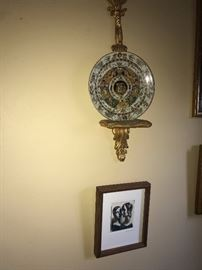 CHELSEA HOUSE NELSON ANTIQUE GOLD PLATE HOLDERS-TWO AVAILABLE