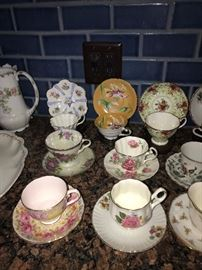 HUGE COLLECTION OF TEACUPS