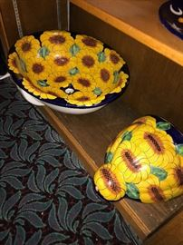 SUNFLOWER SINK-HAS CHIPS SOLD AS IS