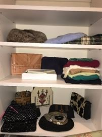 WOMENS HANDBAGS AND ACCESSORIES