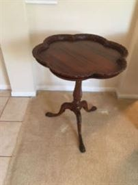Antique Pie Crust Table