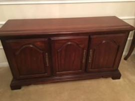 Solid Cherrywood Queen Anne Style Buffet (included with Dining Room Set)