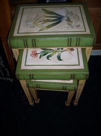 Set of 3 Nesting tables