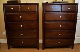 Pair of marching dressers - part of a 6 pc bedroom set