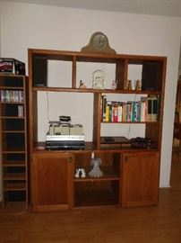 bookcase/curio/entertainment center