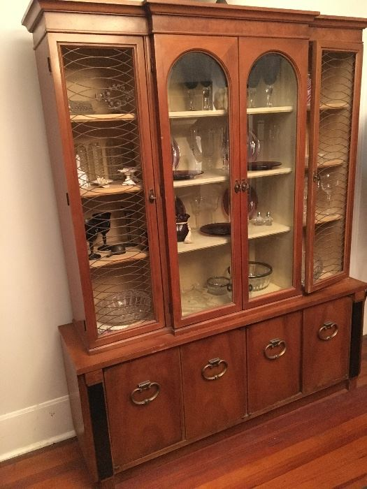 Estate/Tag Sale Inside Private Home in Ennis, TX starts on 11/15/2017