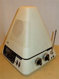 "JVC 3100R ""PYRAMID"" VIDEO CAPSULE T.V. & RADIO RETRO"