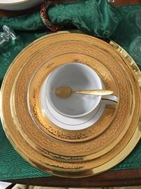 71 Piece Set of Muirfield 9136 Magnificence (Service for 12)        Matching Serving Pieces