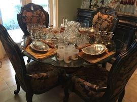 Stunning Breakfast Table & Chairs