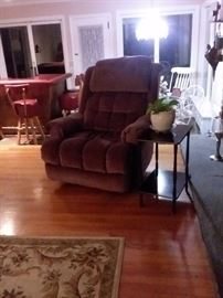 Cushioned recliner