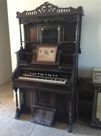 Antique Organ $500 OBO