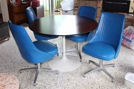 Chromecraft Table and 4 Chairs
