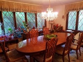 Dining Room with Decorative Glass