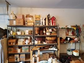 Boxes of home decor, birdhouses, baskets and more!