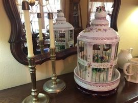 Birdcage will not be availible.  However candle sticks and mirror are available.