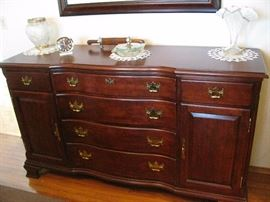 GREAT SIDEBOARD