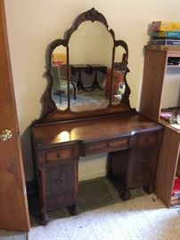 Antique Vanity Dresser