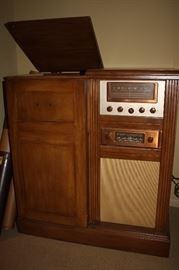 1940's Stereo with original receipt (works)