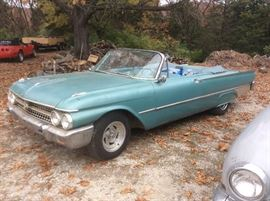 1961 Ford sun liner cov. Galaxie not running