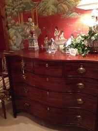Fabulous 1800 George III English Serpentine 4-drawer chest