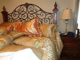 wonderful king bed w/matching pieces