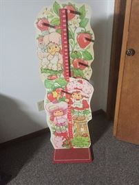 Vintage Strawberry Shortcake growth chart...adorable!