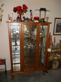 Oak mirrored back china cabinet