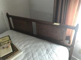 Bed http://www.ctonlineauctions.com/detail.asp?id=654854