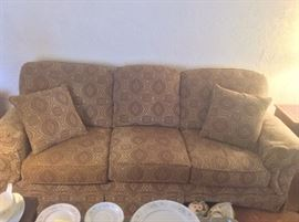 Flexsteel Couch  http://www.ctonlineauctions.com/detail.asp?id=654867