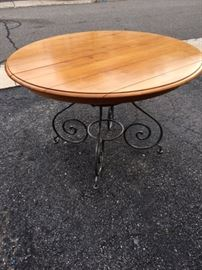 """Ethan Allen Legacy 60"""" Round Table without leaf"""