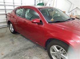 2011 Dodge Avenger  13,xxx miles clean