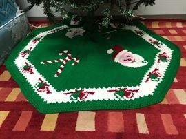Vintage Knit Tree Skirt