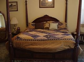 Classic king size 4 poster bed