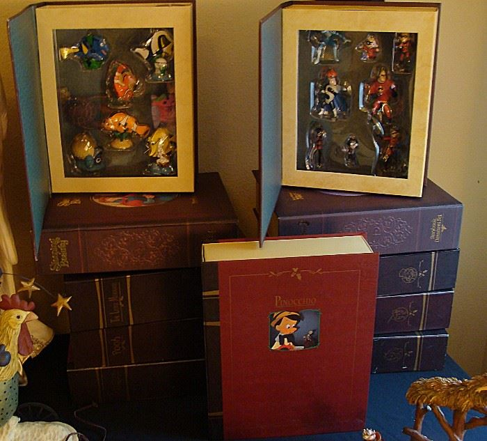 Disney Theme ornament books