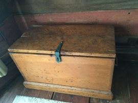 19th century Dovetail Blanket Box