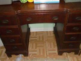 Wood desk w/7 drawers & chair