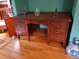 Tiger oak desk $125