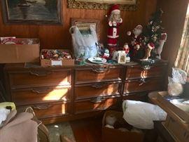 Nice mid-century dresser