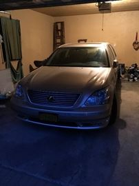 2004 mint condition Lexus LS 430