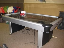 Aeromax air hockey table