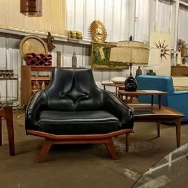 Mad Men must have!  Stunning lounge chair.