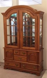 Stanley Lighted China Hutch