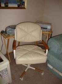 Swivel Chair (2)