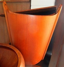 """Teak wastebasket designed by Einar Barnes for P.S. Heggen. The bent wood craftsmanship is handsome, and the amber glowing teak wood is in excellent vintage condition. This is a stylish, very scarce Scandinavian Mid Century collector's item: 1960 s, Made in Norway. 15"""" long x 9"""" wide x 17.5"""" high  ***A Very Rare Find  & A Desirable Acquisition***"""