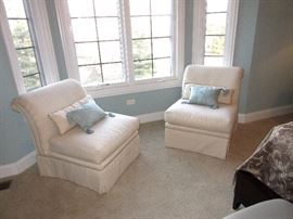 2 adorable bedroom chairs, cream/off white
