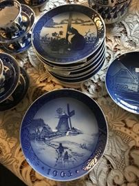 Royal Copenhagen Christmas plates 1963 through 1978 Sold as a set