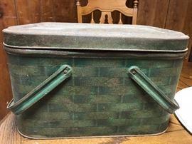 Awesome green basket weave patterned metal picnic basket