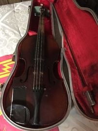 violin with case-Stradivarius reproduction