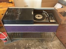 1960's RCA Record and Radio Player- WORKS AMAZING!